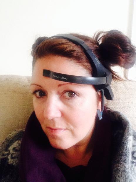 Brain wave sensor head set